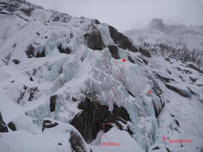 Rutene Roadkill og Roadtrash i nedre del av isen
