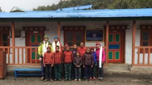 Noen av barna i klosteret som vi delte ut klær til.